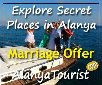 marriage offer yacht tour